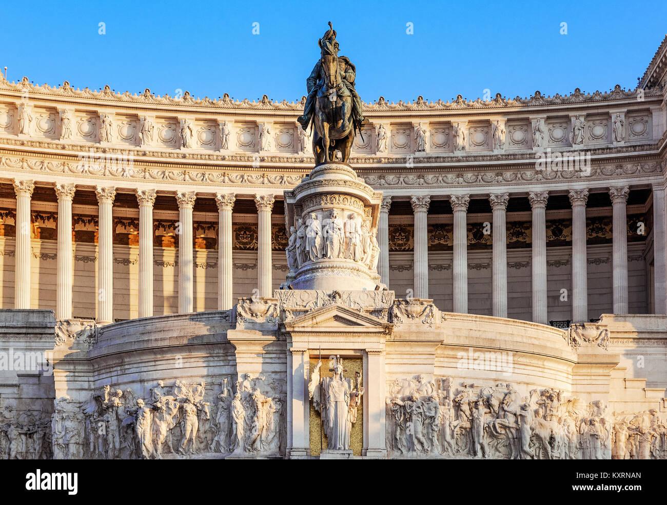 Monumento a Vittorio Emanuele II, Via del Teatro di Marcello, Roma, Italia. Immagini Stock