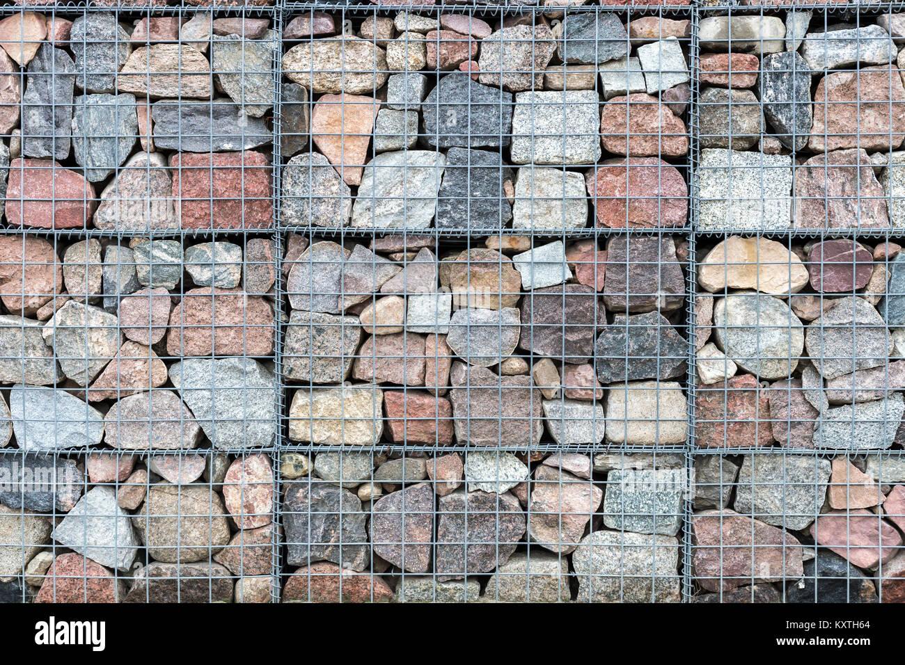 Muro Fatto In Pietra gabbione muro fatto di pietre naturali e di rete metallica