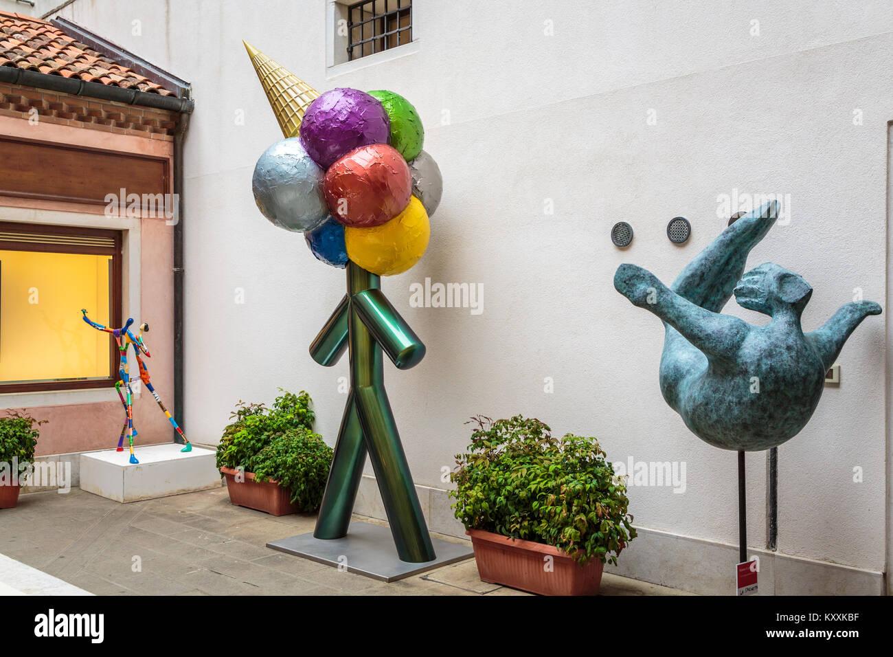 Un esterno decorativo shop in Veneto, Venezia, Italia, Europa. Immagini Stock