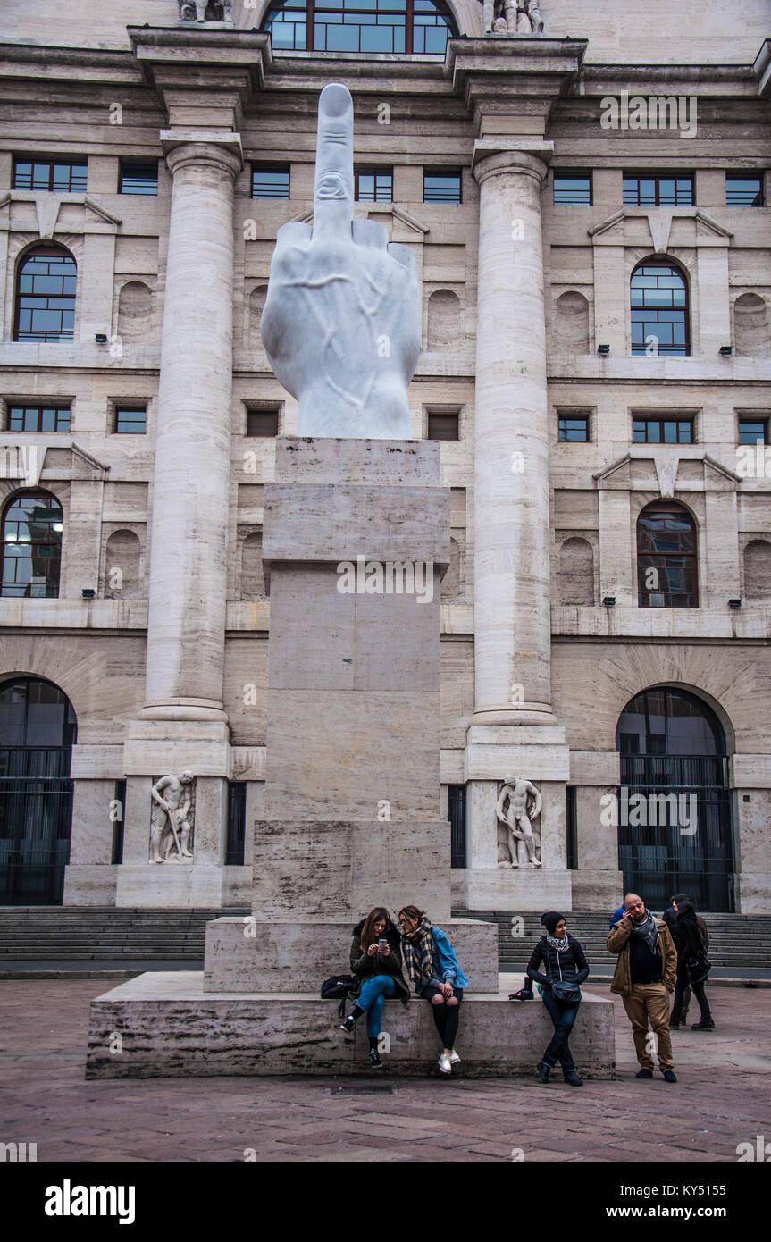 006e16e6ac Milano Piazza della borsa, Dito di Cattelan, Milano, Lombardia, Italia,  Europa