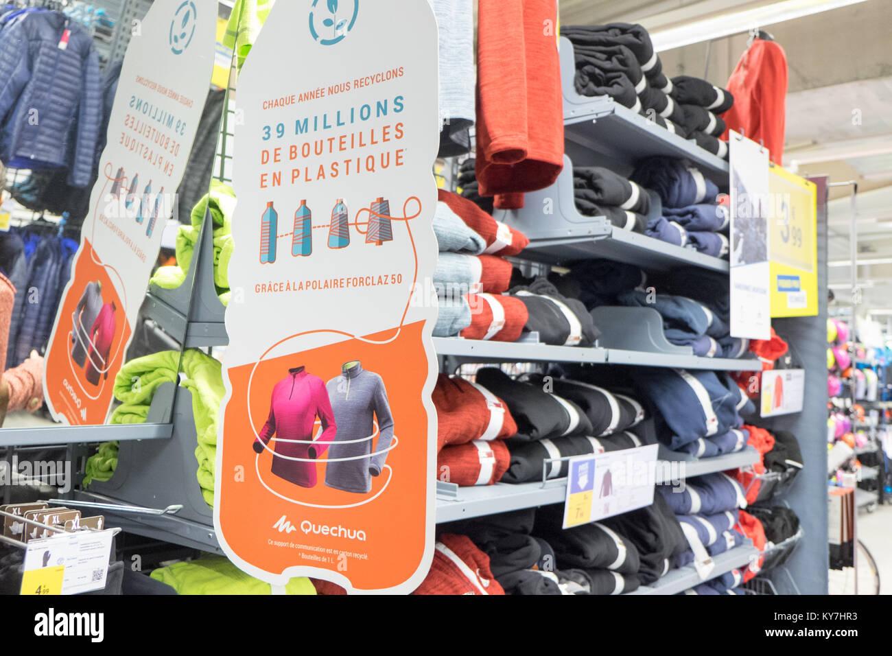 negozio online 6ada4 fd46c Maglioni,vello,tops,a,vendita,a,Decathlon,store,enorme,all ...