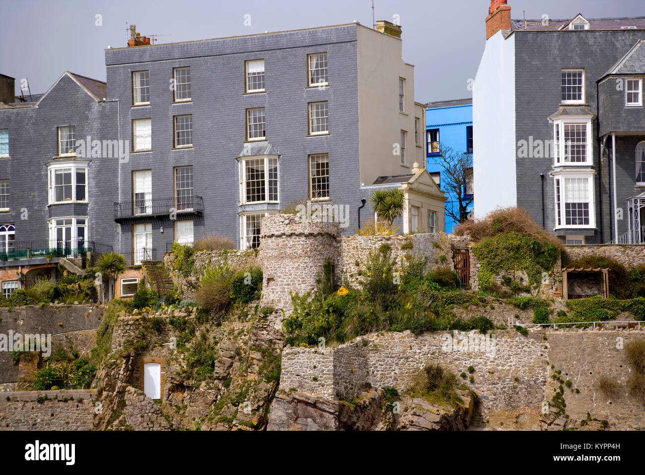 Immagini Case Grigie : Tenby wales houses on cliffs immagini tenby wales houses on