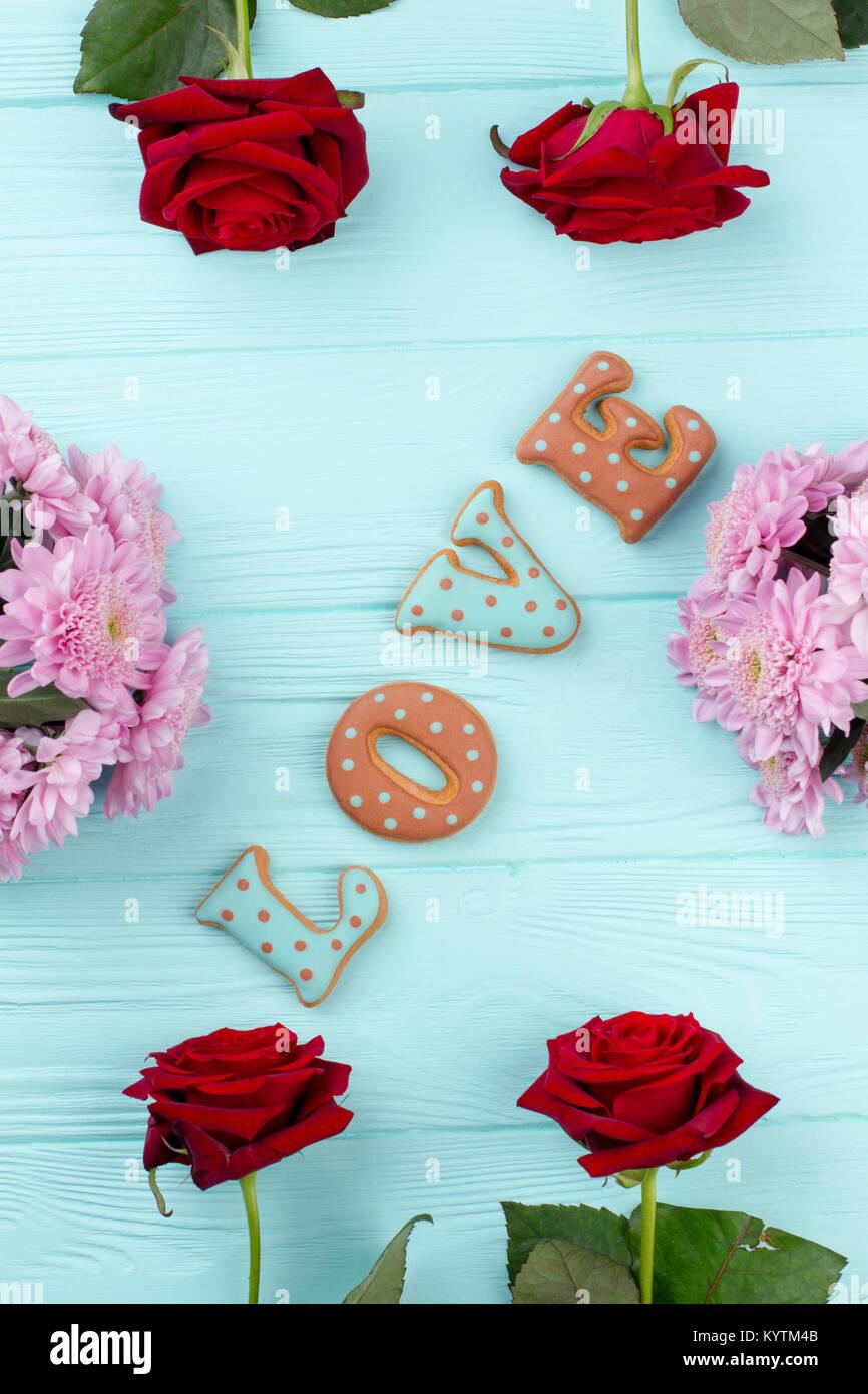 Decorazioni Lettere D Amore la parola amore in fiori freschi telaio. lettere di amore da
