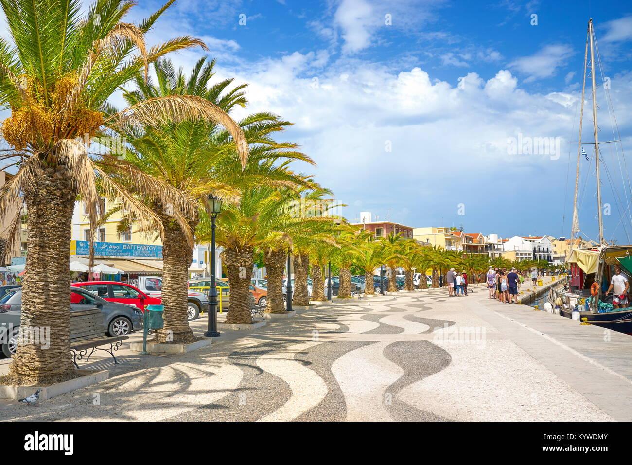 Passeggiata di Argostoli town, l'isola di Cefalonia, Grecia Immagini Stock