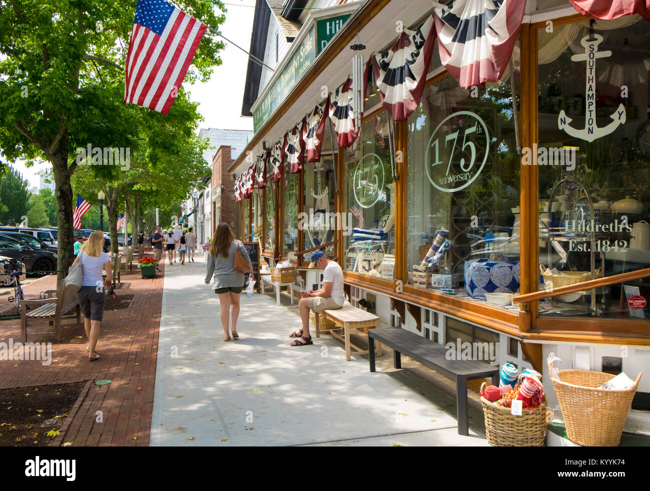 Gli Hamptons, Long Island - strada principale nel villaggio di Southampton, New York, Stati Uniti d'America Immagini Stock
