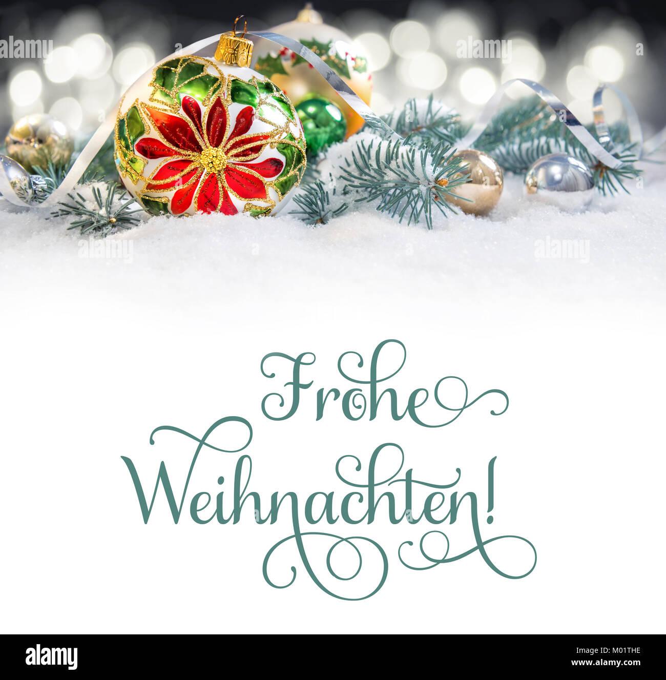 Auguri Buon Natale In Tedesco.Natale Biglietto Di Auguri O Di Un Bordo Pallina Di Vetro Con Poinsettia Decorate Rami Di Albero Di Natale Sulla Neve Il Testo Buon Natale In Tedesco Che Foto Stock Alamy