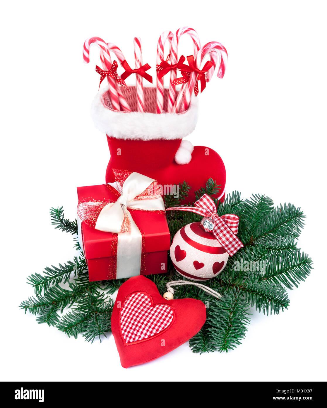 Decorazioni Natalizie Caramelle.Santa S Boot Con Bastoni Di Caramelle E Decorazioni Di Natale Su Sfondo Bianco Foto Stock Alamy