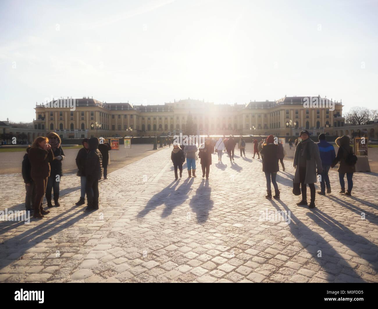 VIENNA, Austria: l'approccio al Palazzo di Schonbrunn Immagini Stock