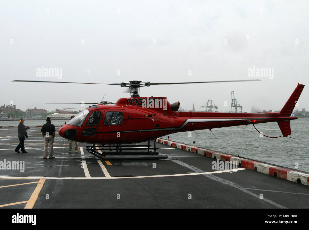 Elicottero 350 : Eurocopter as 350 immagini & eurocopter as 350 fotos stock alamy