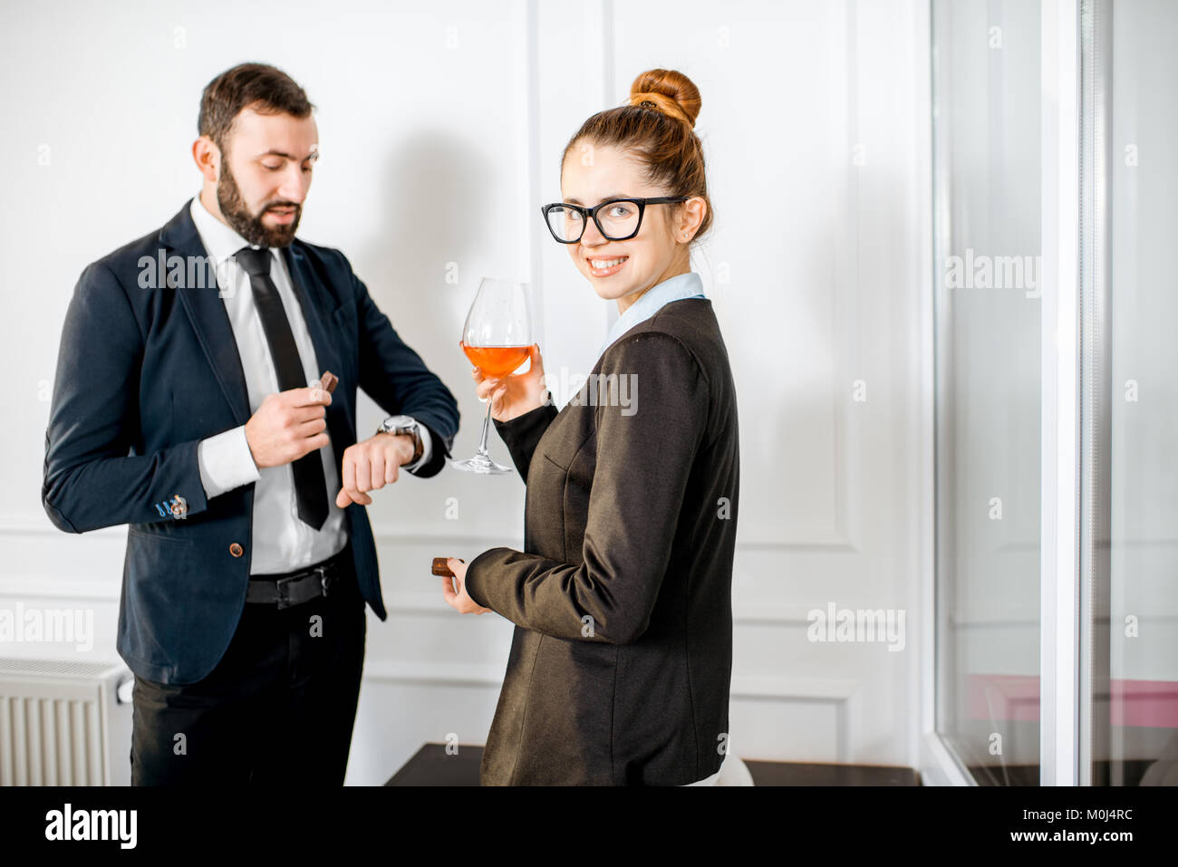 Giovane durante la riunione di affari Immagini Stock