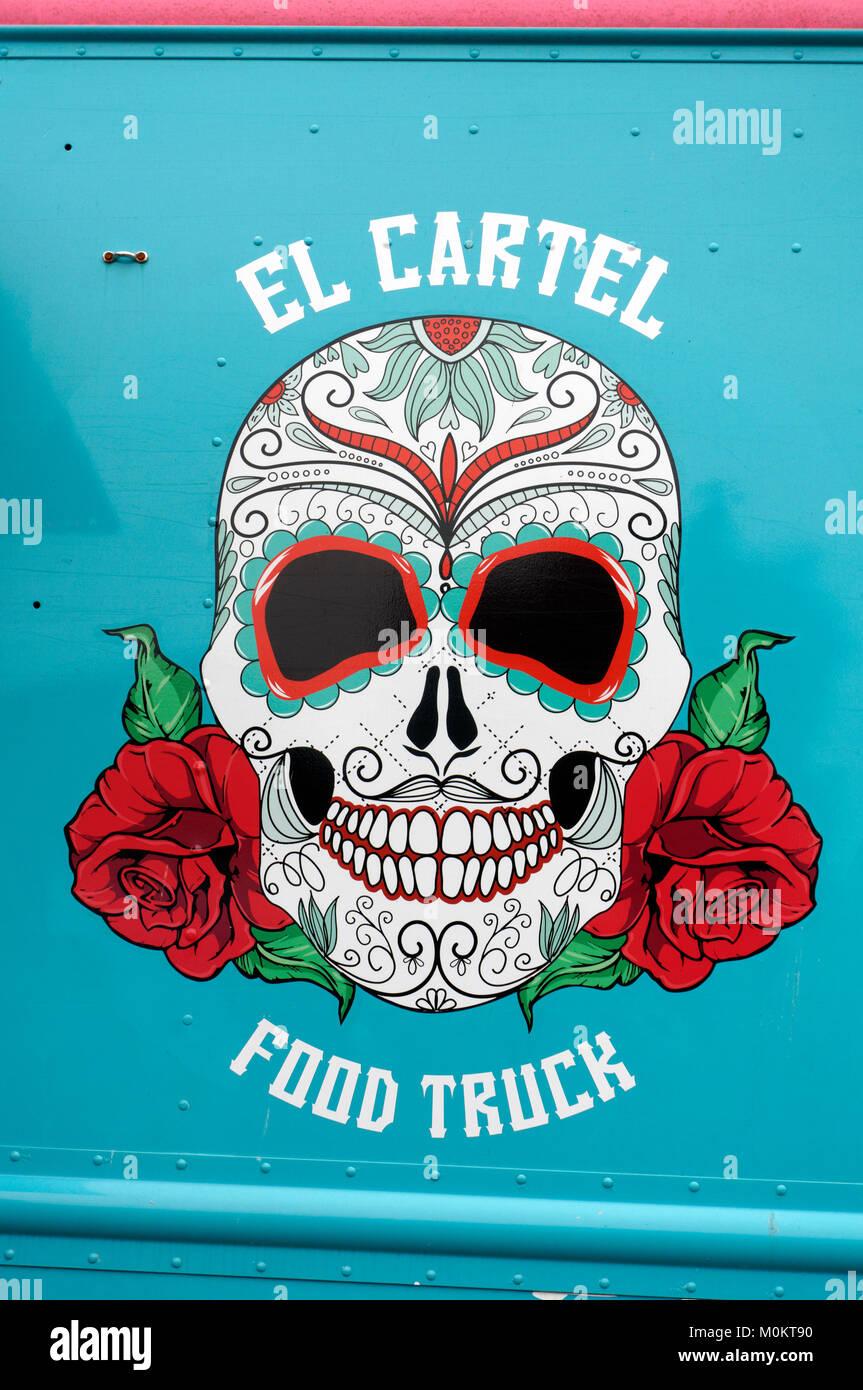 Un messicano di Santa Muerte disegno di stile sul lato di El cartello cibo carrello in Vancouver, British Columbia, Immagini Stock