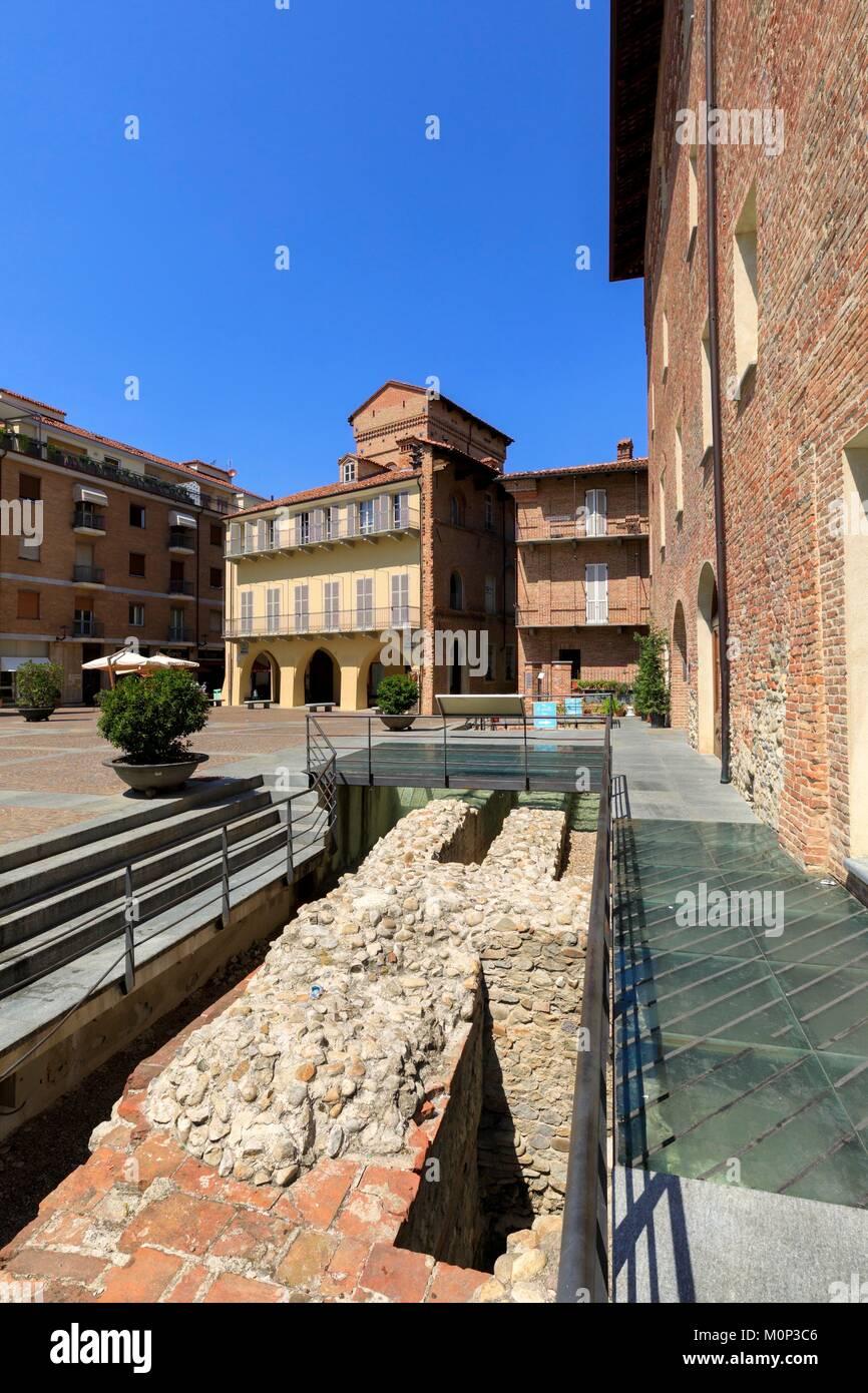 L'Italia,Piemonte,in provincia di Cuneo,Les Langhe,Alba Immagini Stock