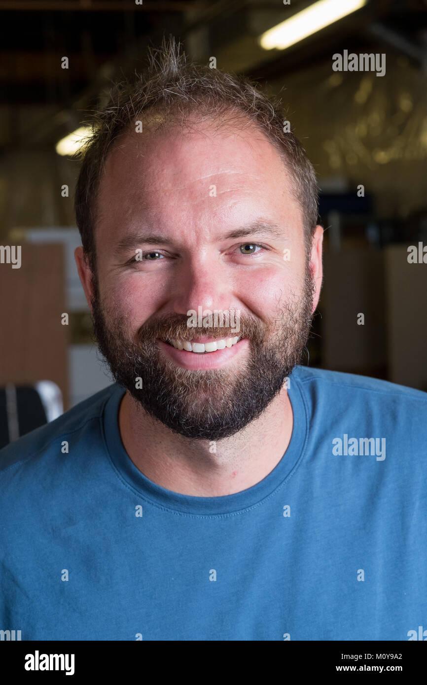 Uomo Barbuto Headshot ritratto Immagini Stock