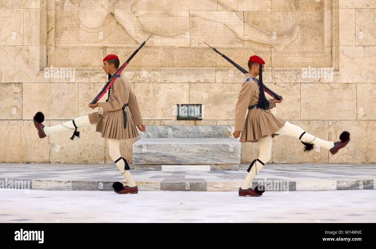 La cerimonia del cambio della guardia, Atene, Grecia Immagini Stock