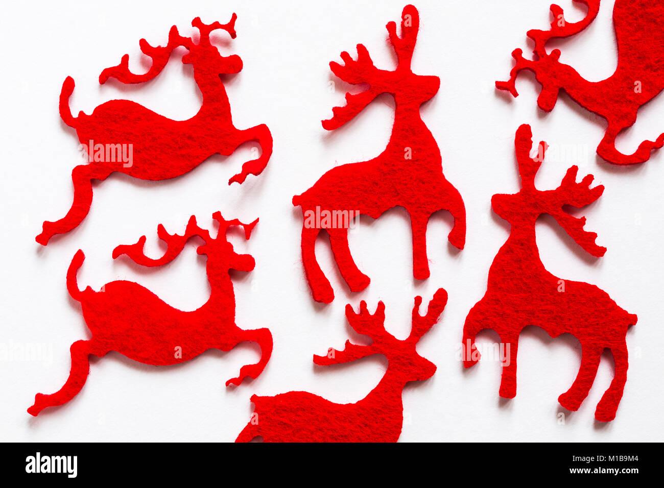 Feltro forme di renne impostato su sfondo bianco - Pronto per il Natale Immagini Stock