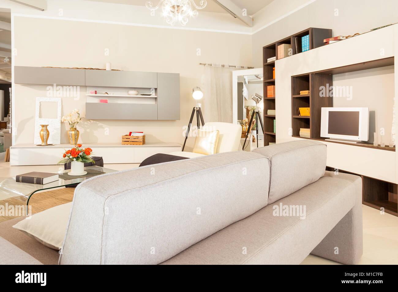 Arredamento moderno e bellissimo appartamento in nuova posizione di lusso Immagini Stock
