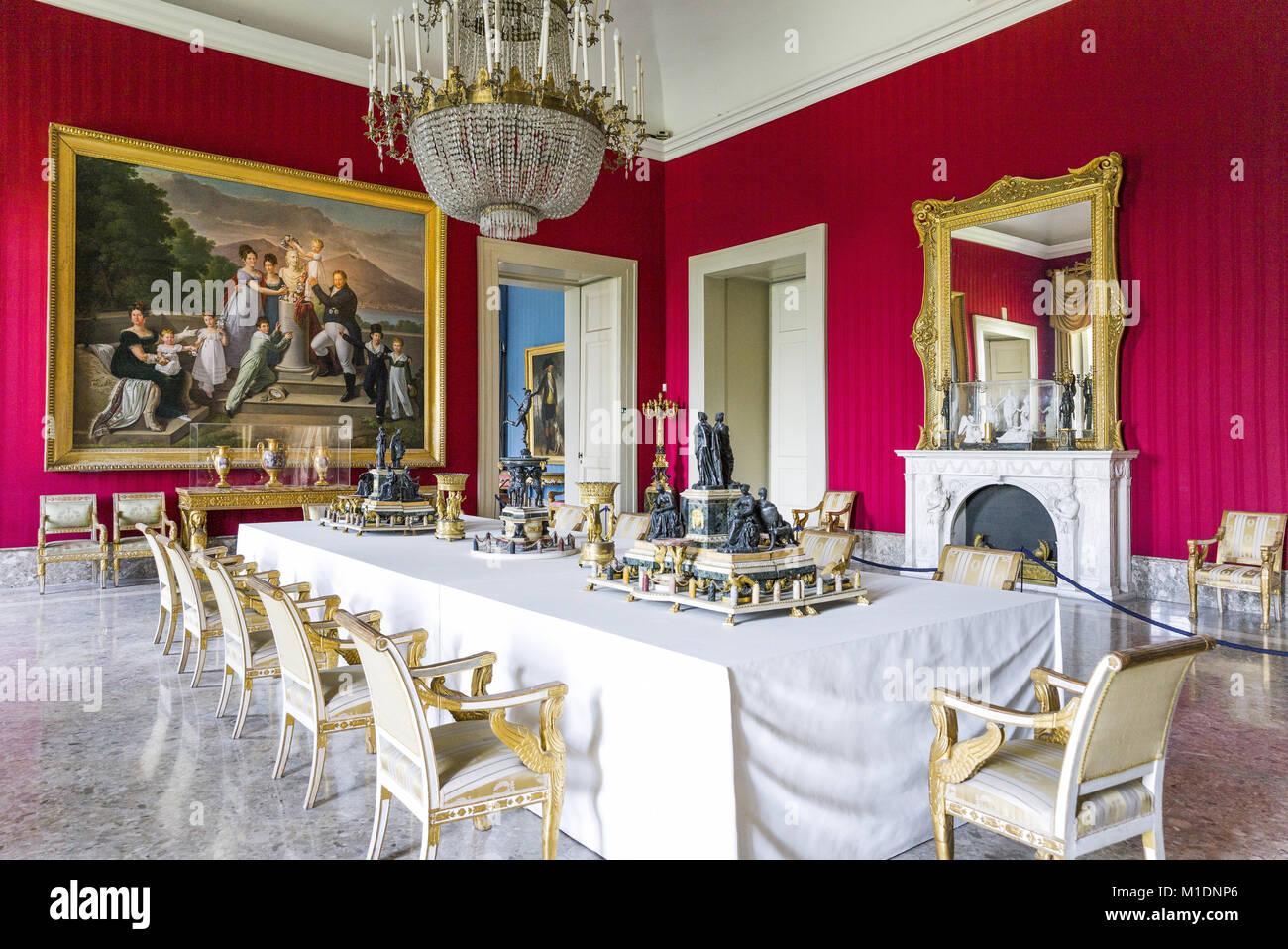Napoli Italia La Sala Da Pranzo Del Palazzo Reale Di Capodimonte Foto Stock Alamy