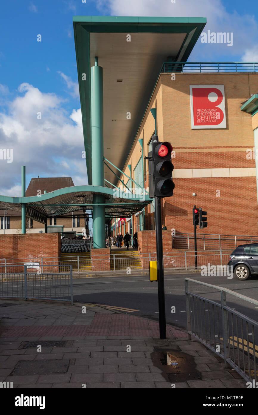 Il centro commerciale Broadway Bexleyheath compresi Sainsbury's, Bexley, London, Regno Unito Immagini Stock