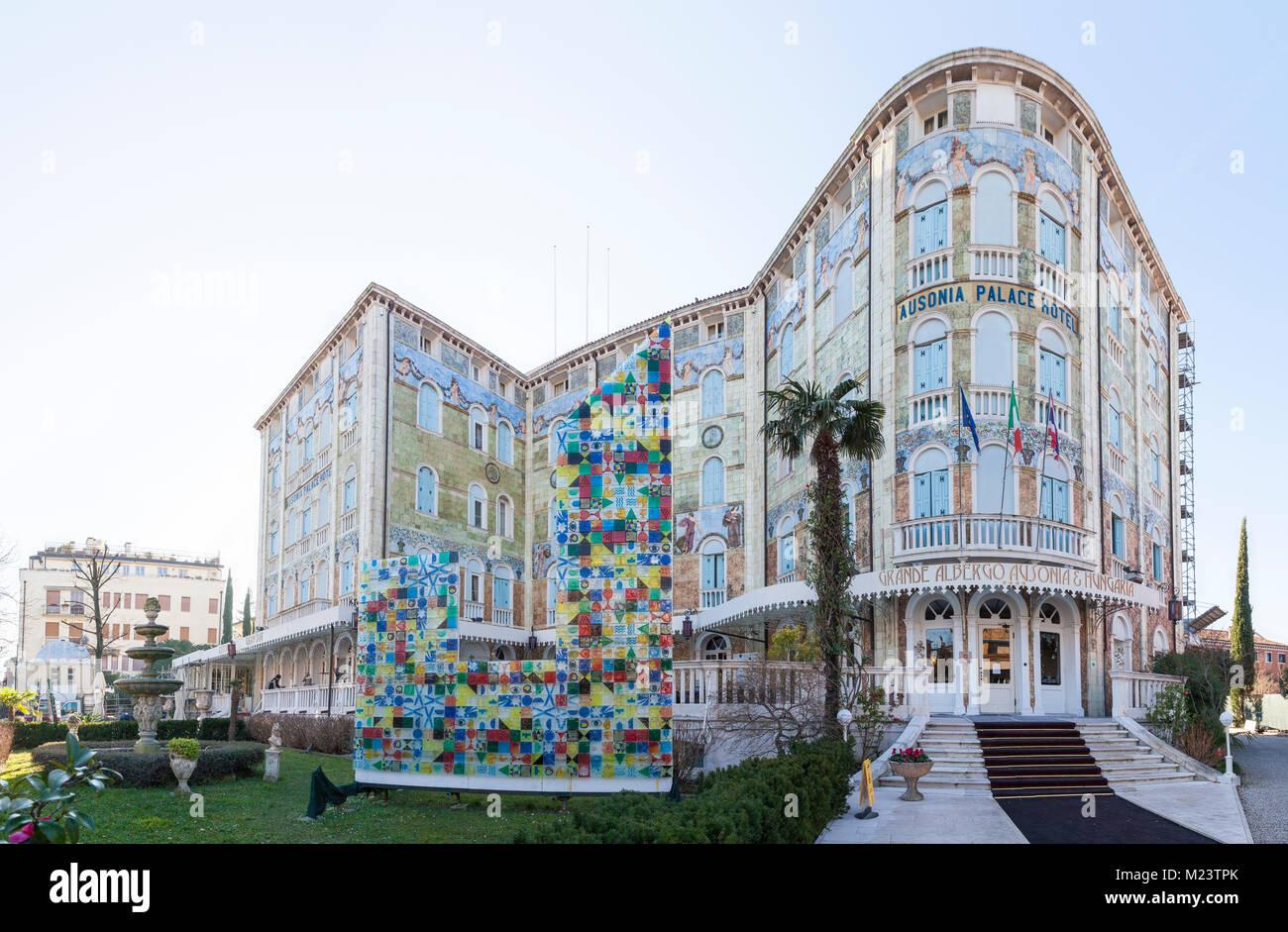 Lo stile Liberty Ausonia Palace Hotel, Grande Albergo AUSONIA e Hungaria, Lido di Venezia, Venezia, Italia con il Immagini Stock
