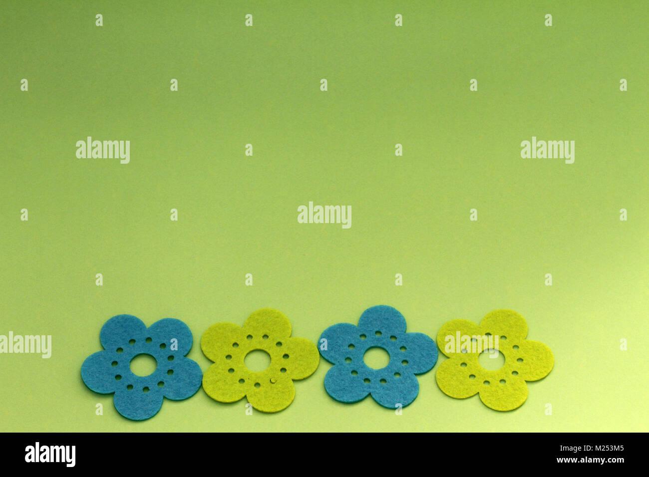 Sfondo Verde Con Fiori Decorativi Background Di Design Con Fiore