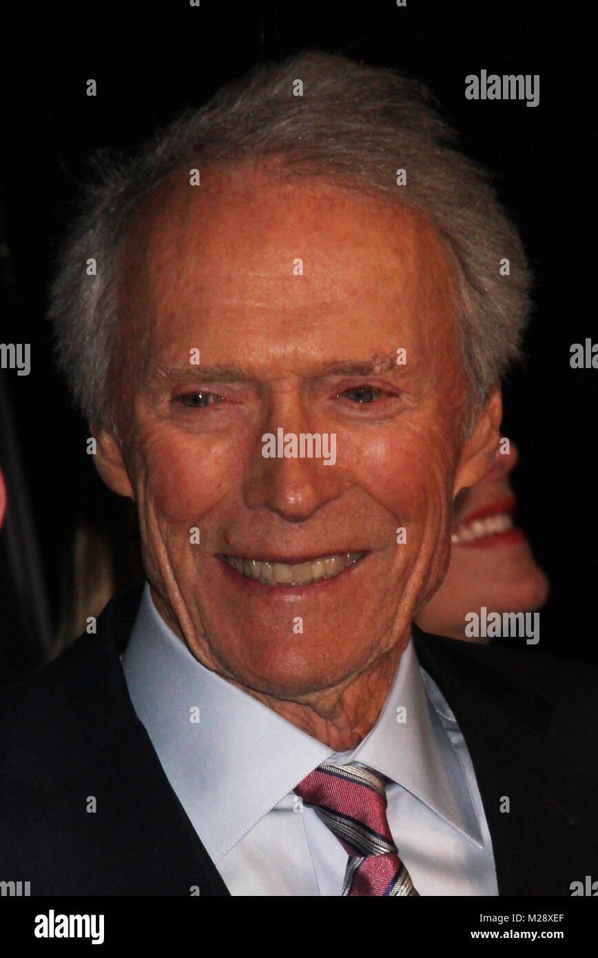 """Burbank, in California, Stati Uniti d'America. 5 febbraio, 2018. Clint Eastwood 02/05/2018 La prima mondiale di """"15:17 a Parigi"""" tenutasi presso il SJR teatro a Warner Bros Studios di Burbank, CA Foto di Izumi Hasegawa / HollywoodNewsWire.co Foto Stock"""