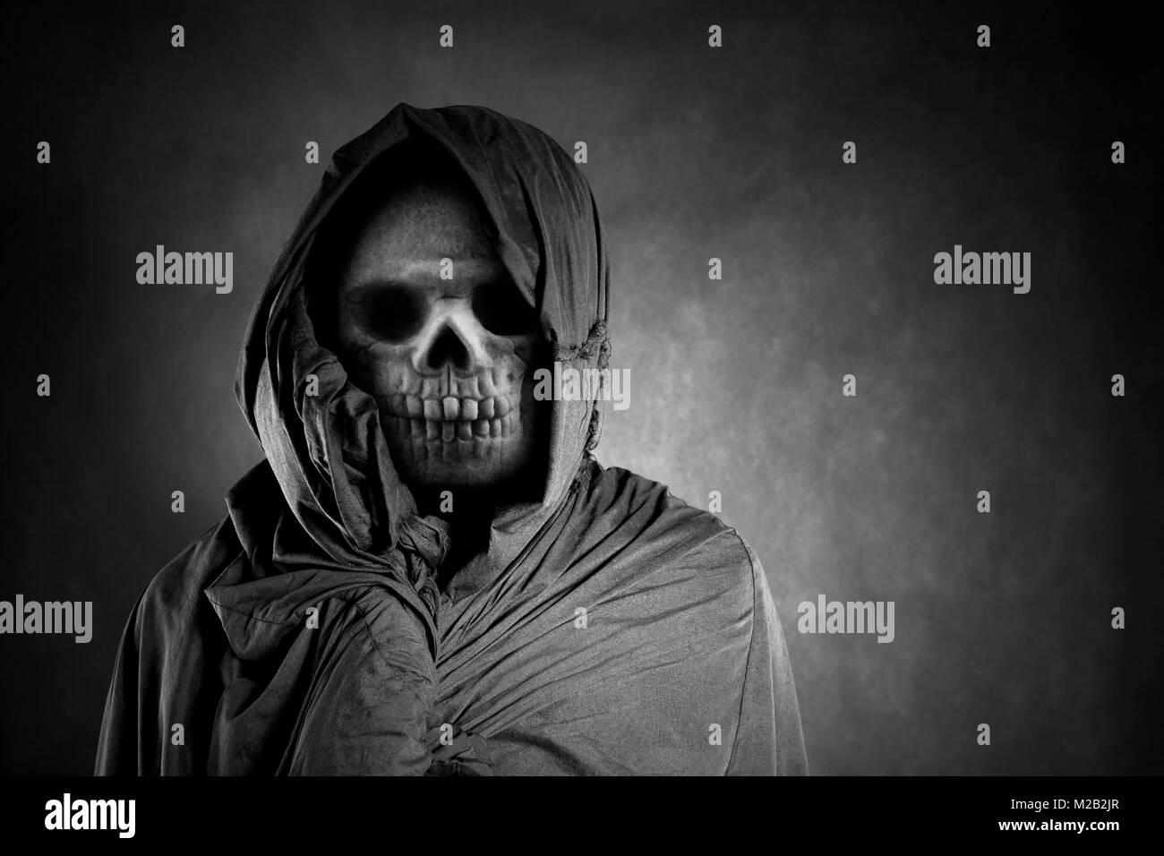 Grim Reaper nel buio Immagini Stock