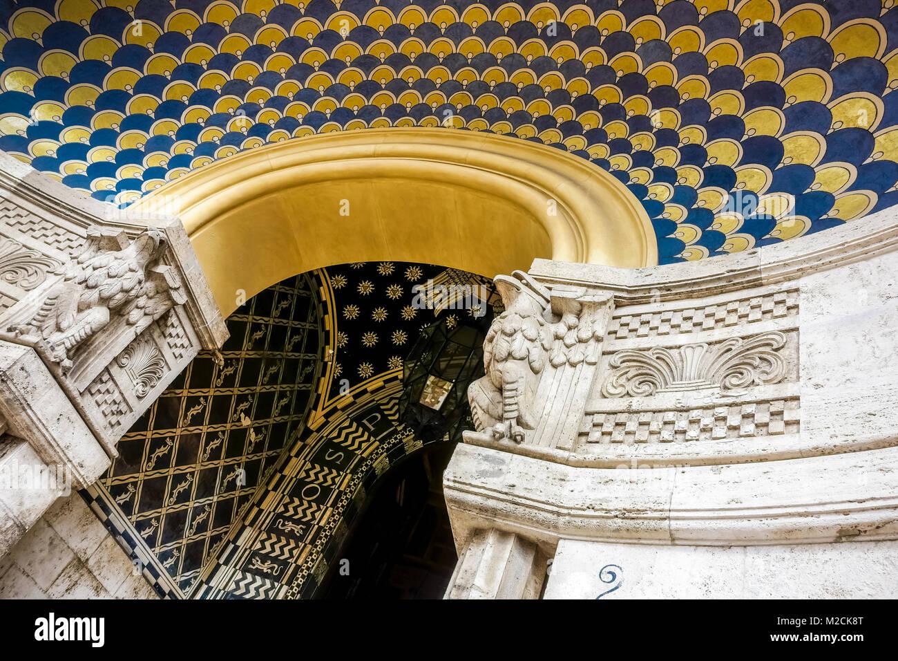 Soffitti A Volta Decorazioni : Restauro di un soffitto a volta decorato apsa in vaticano rosa
