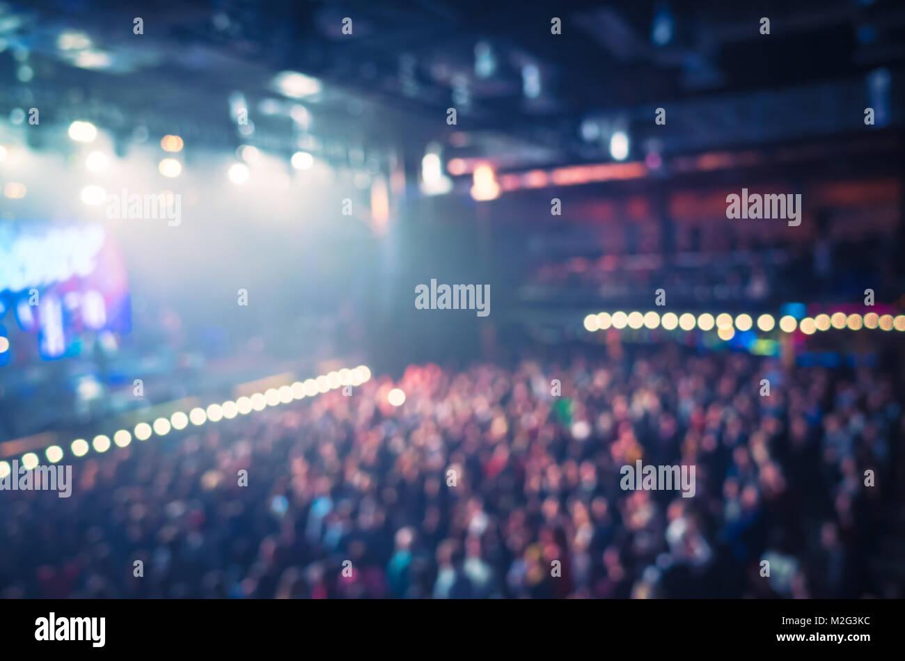 Foto sfocata sfondo life musica concert hall con illuminazione