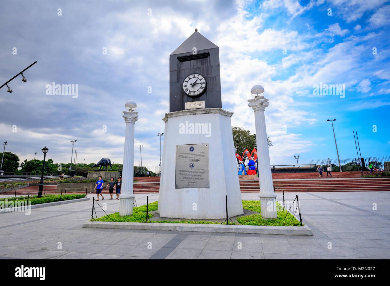 Manila, Filippine - Febbraio 4, 2018 : Centennial struttura di orologio a Manila nelle Filippine. Il Centennial Immagini Stock
