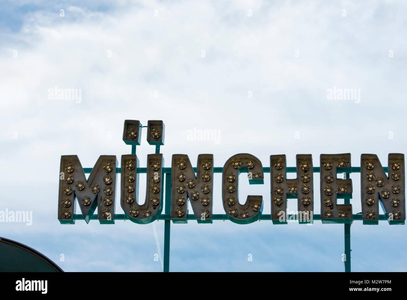 Monaco di Baviera, segno all'Oktoberfest, tipografia Immagini Stock