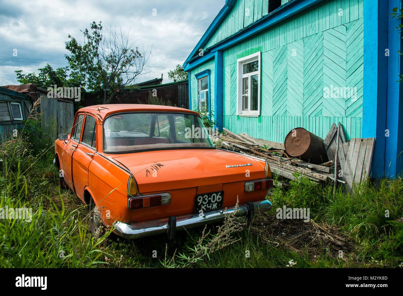 Lada immagini lada fotos stock alamy for Disegni di posto auto coperto in piedi
