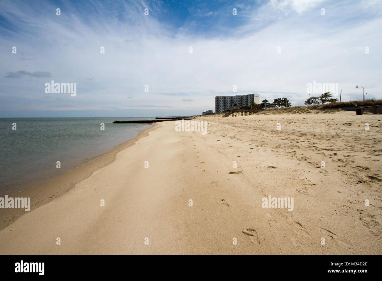 NORFOLK, Virginia - quasi sette chilometri di spiaggia lungo la Willoughby spiedo e Oriente Vista Oceano zone della Immagini Stock