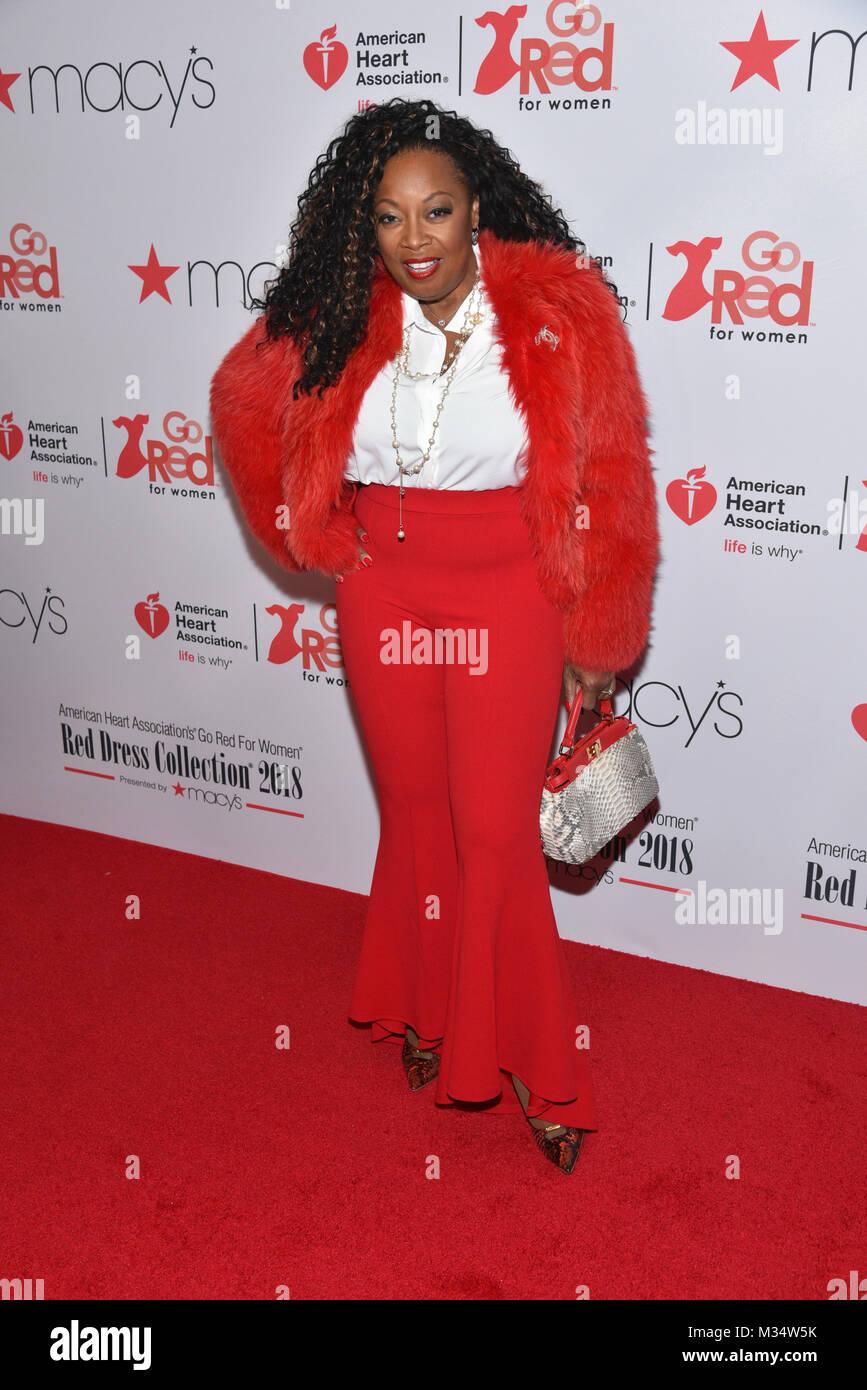 Pin di Erik su Moda donna | Giacca rossa, Vestiti per donne