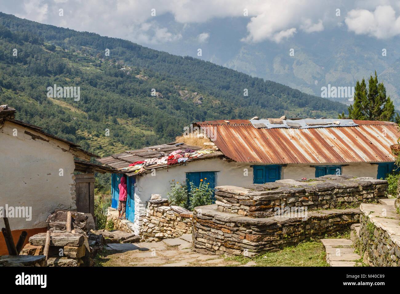 Case In Pietra Di Montagna : Case in pietra di shikha villaggio di montagna in himalaya vicino