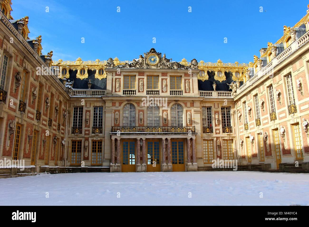 Febbraio 2018 ha visto la più grande nevicata a Parigi dal 1987. Immagini Stock