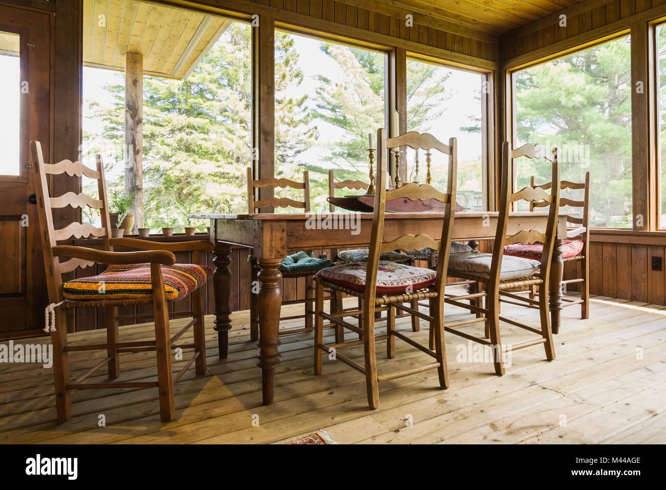 Tavolo Da Pranzo E Sedie Legno Trattato Tavoloni All Interno Di Casa