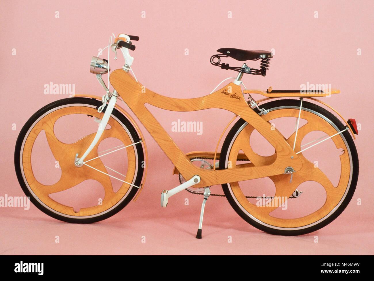 Bicicletta In Legno Inventore Tino Sana Foto Immagine Stock