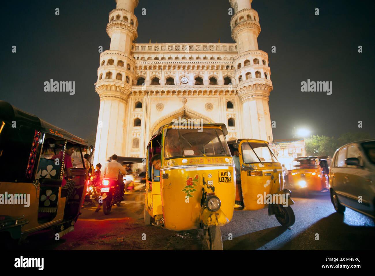 Auto in trasportions Charminar, Hyderabad. Immagini Stock