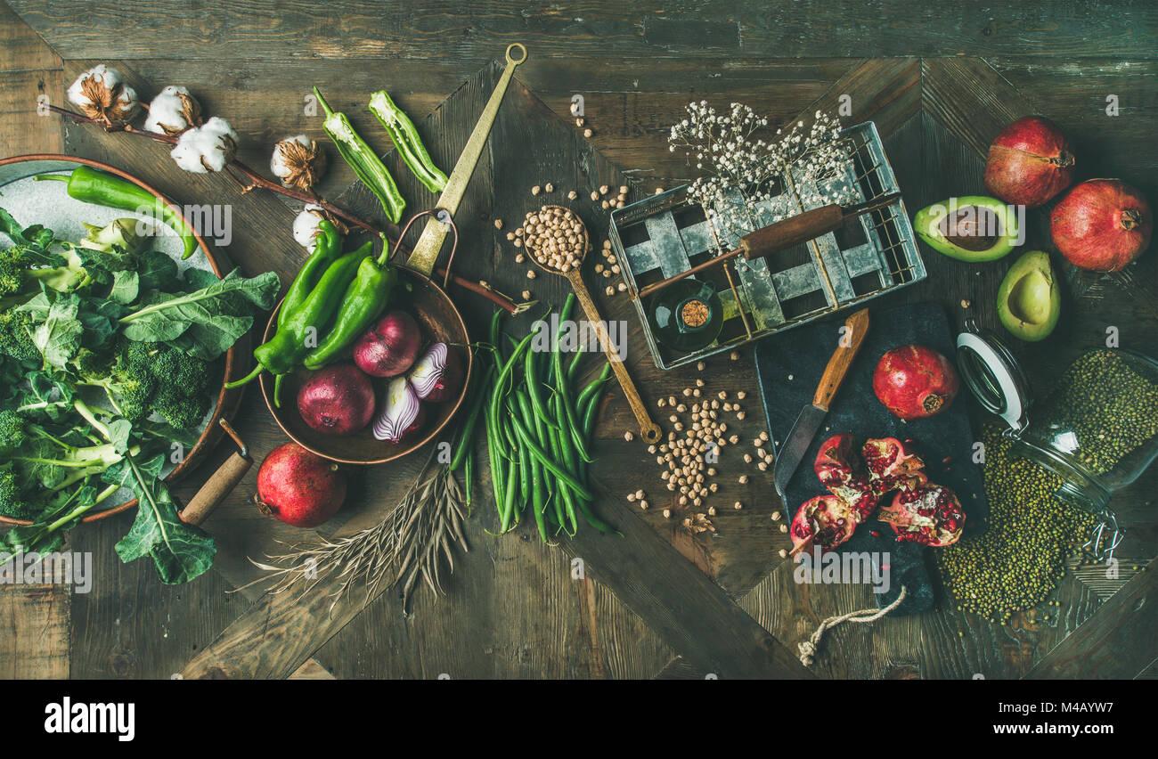 Inverno Vegetariano o Vegano cibo gli ingredienti della cucina, vista dall'alto Immagini Stock