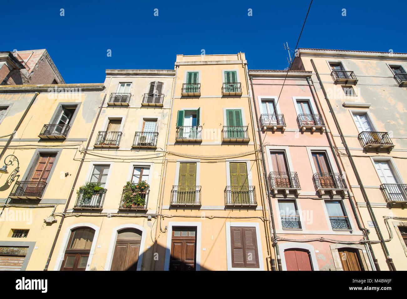 Vecchie case nel centro storico di Cagliari, Sardegna, Italia Immagini Stock
