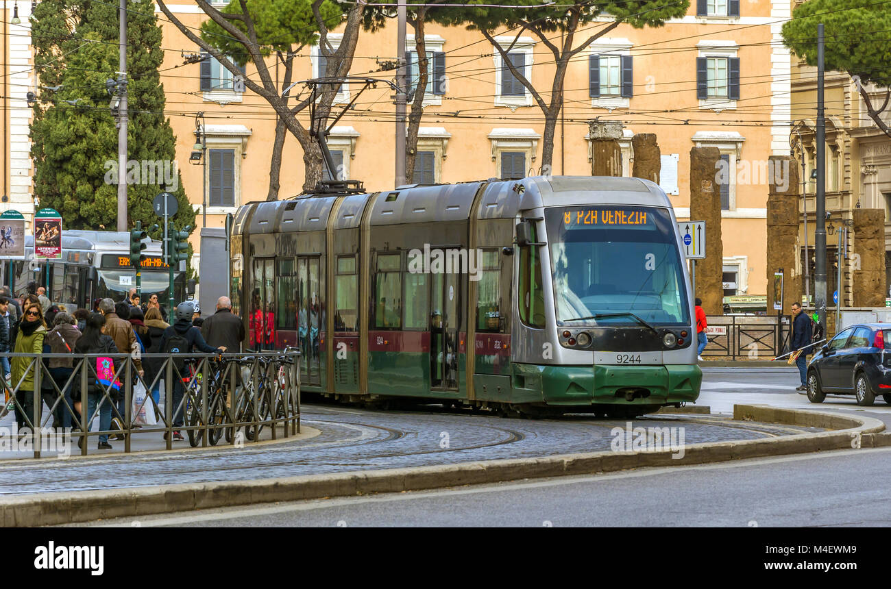 Il tram a Roma Immagini Stock