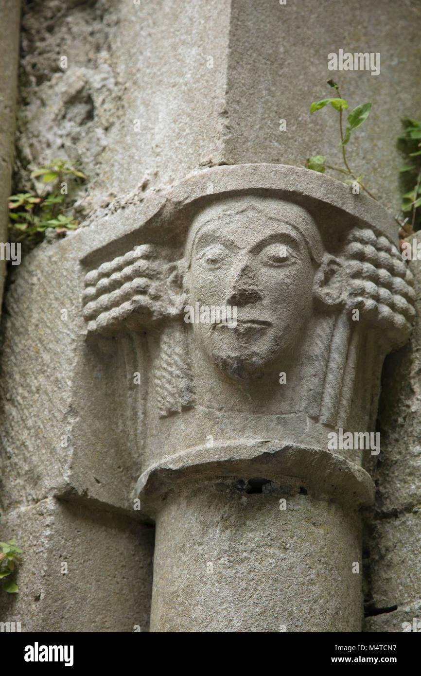 Scultura in pietra in corrispondenza del XIII secolo Corcomroe Abbey, County Clare, Irlanda. Immagini Stock