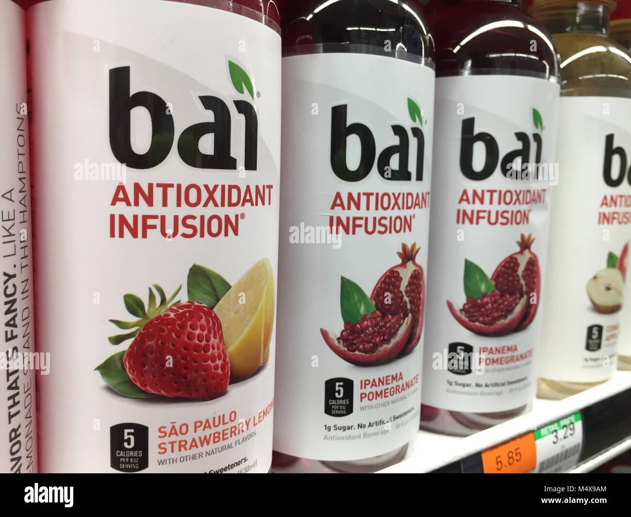 Bai antiossidante bevanda infusione a D'Agostino Drogheria a New York City, Stati Uniti Immagini Stock