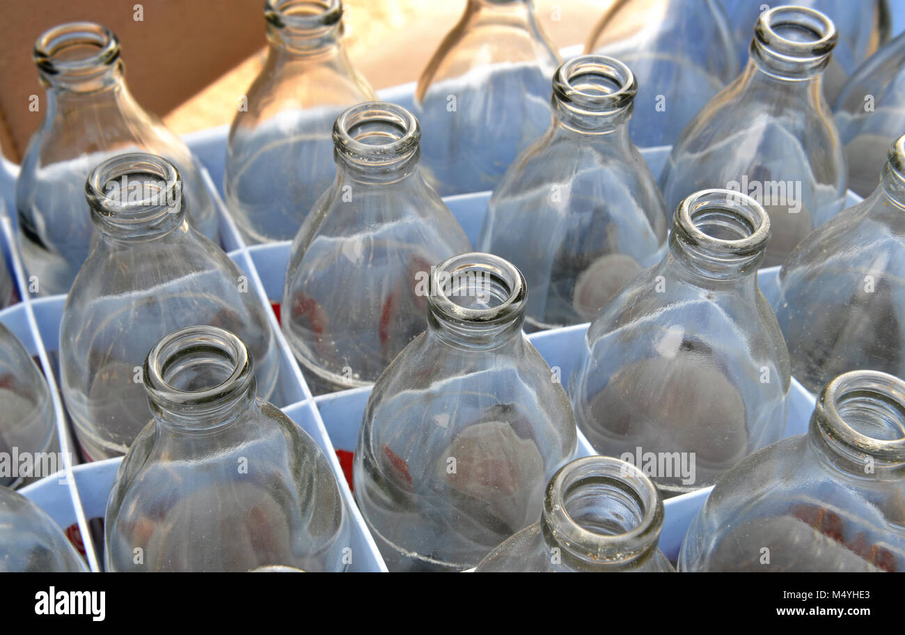 Illuminazione Con Acqua E Candeggina : Illuminazione con bottiglie di plastica fare lampada con