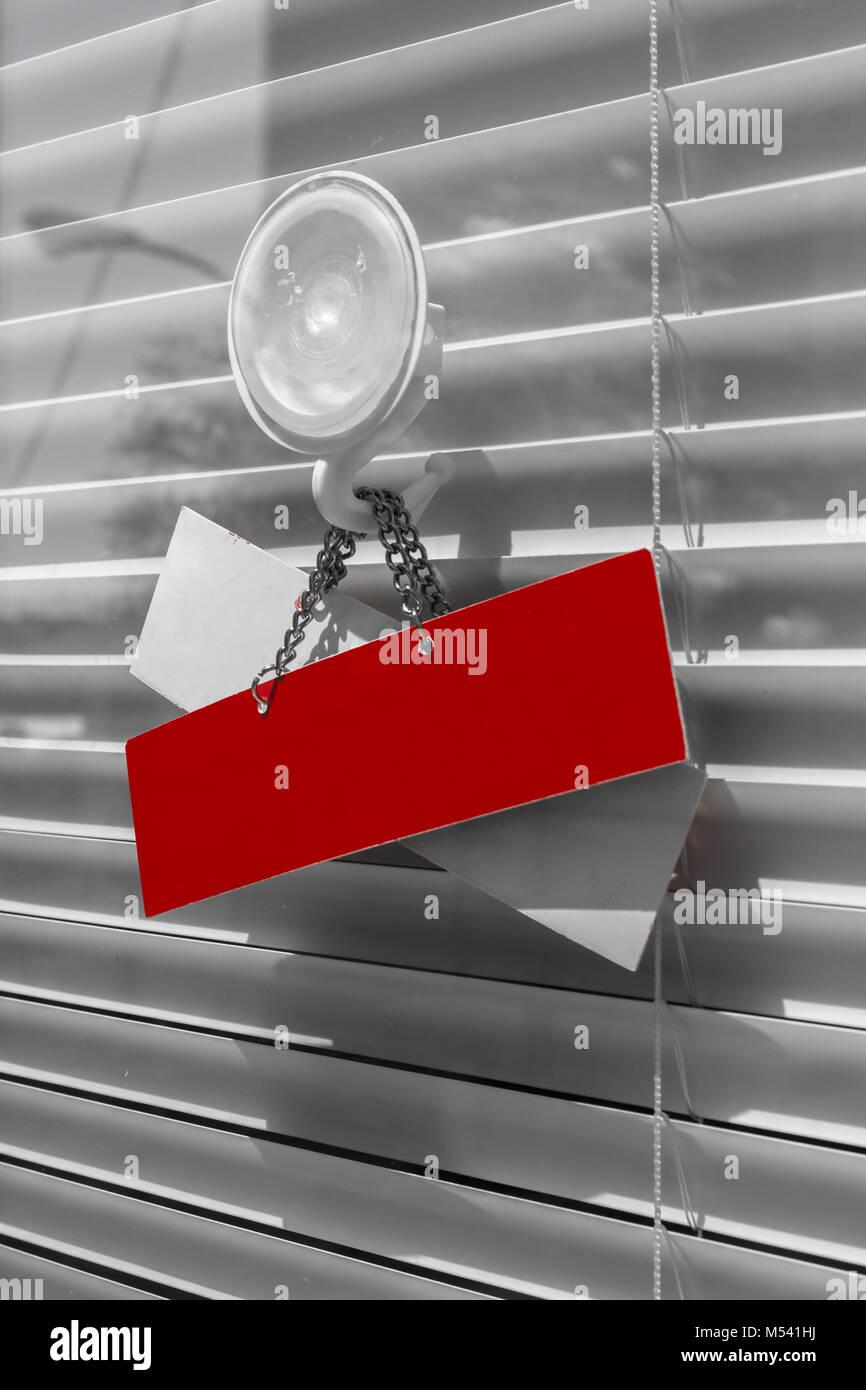 Cartello rosso su una porta di vetro Immagini Stock