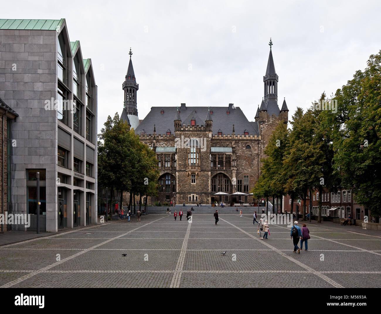 Aachen Rathaus Ansicht von Süden erstmals vollendet um 1350 mehrere Umbauten in Barock und Historismus zuletzt Immagini Stock