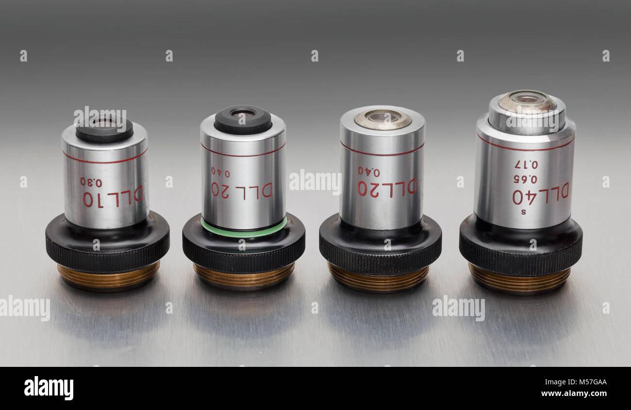 Nikon vintage obiettivi del microscopio tipo dll per la fase di