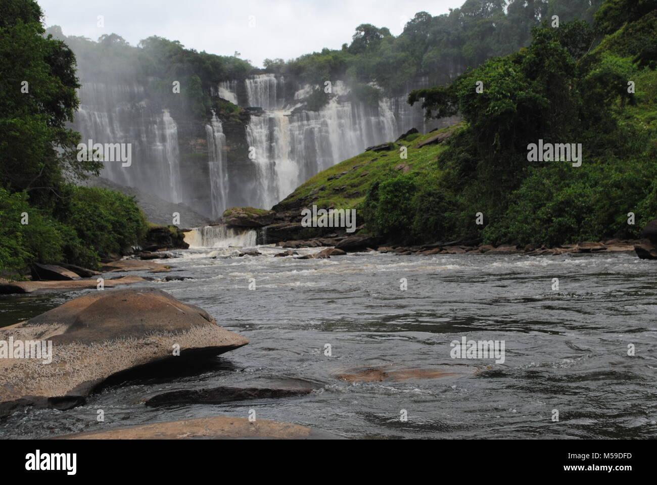 Il Kalandula Falls sono le cascate si trova nel comune di Kalandula, Malanje provincia, Angola. È un bellissimo Immagini Stock