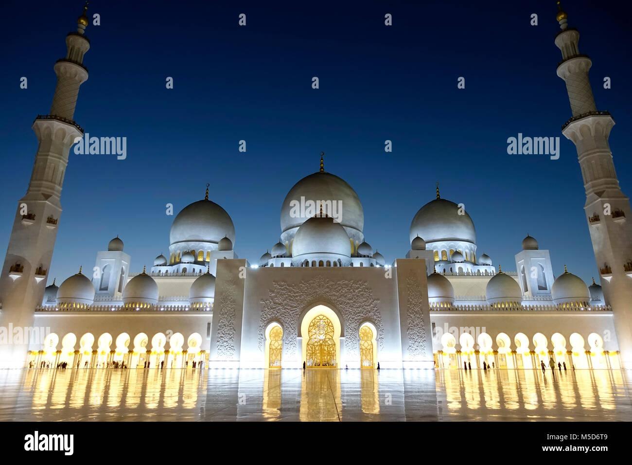 Lo Sceicco Zayid moschea di notte, Abu Dhabi, Emirati Arabi Uniti Immagini Stock