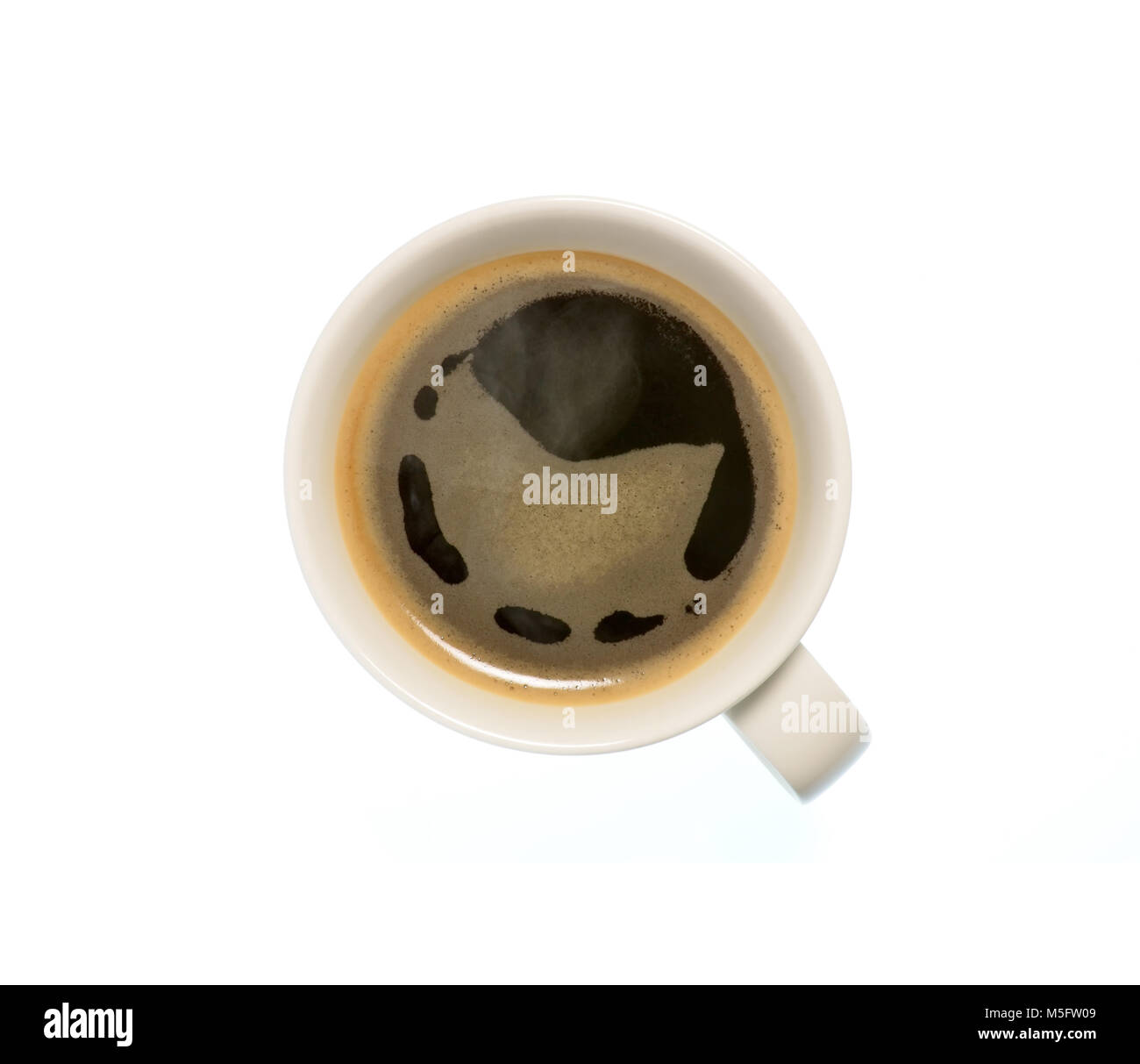 Isolato di tazza di caffè, vista dall'alto closeup foto della tazza calda di caffè nero con vapore Immagini Stock